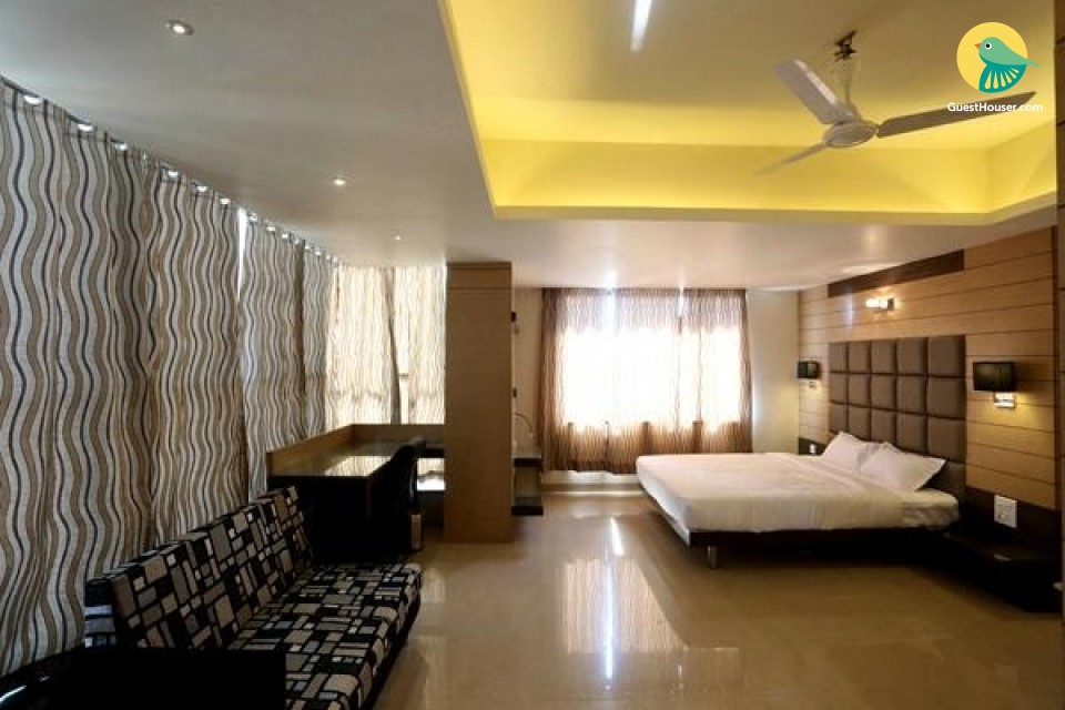 Room with luxurious interiors