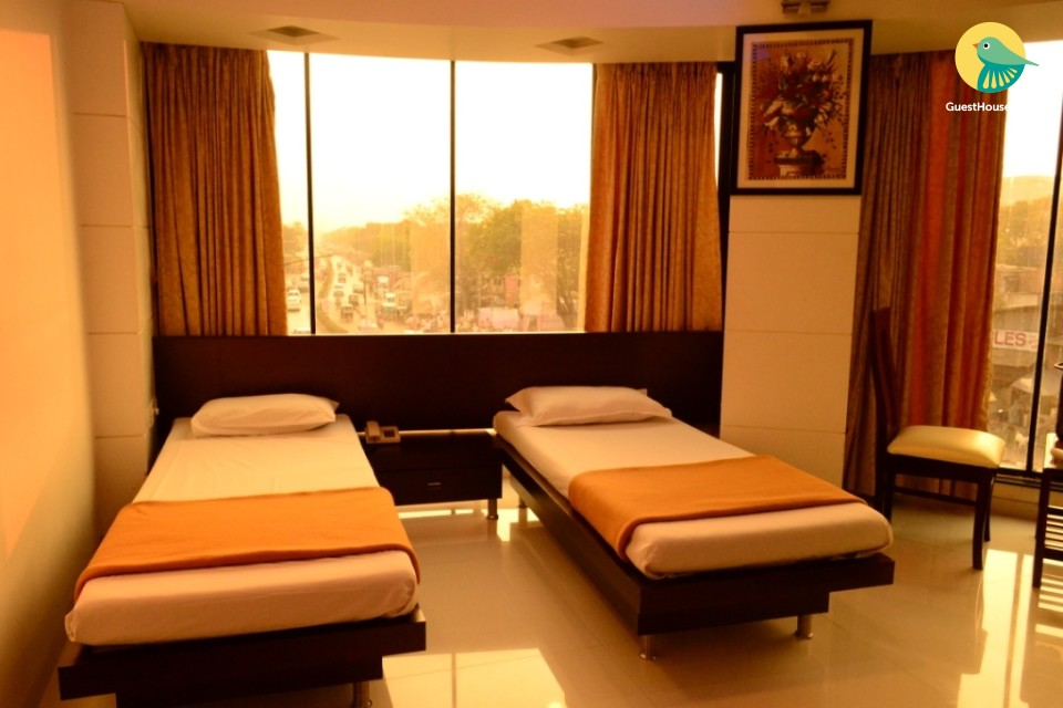 twin bedded room to stay