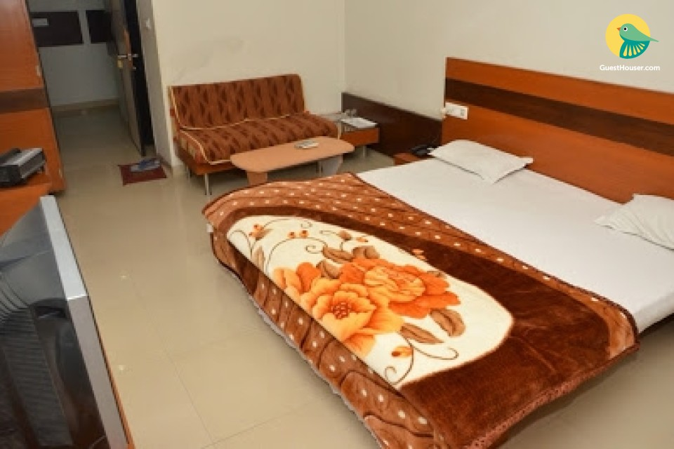 Comfortable rooms to stay in Dhar