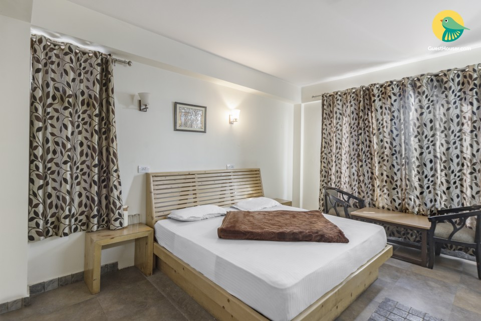 Restful room for a solo traveller, for a much-needed vacation
