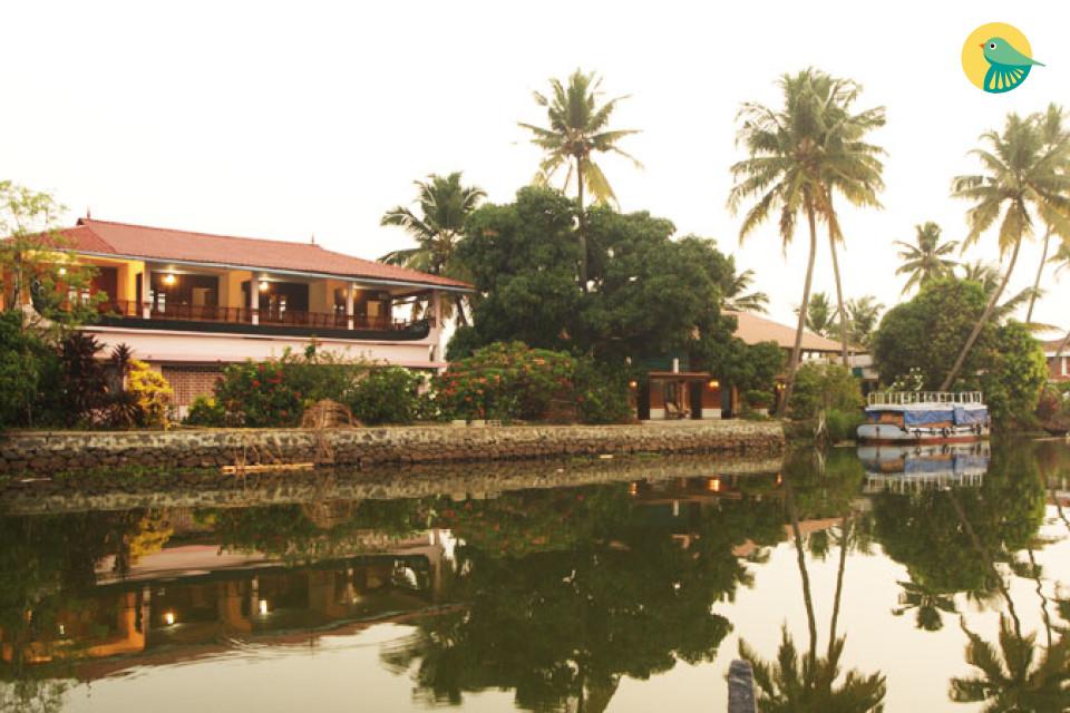 Lake-facing BnB room for 3