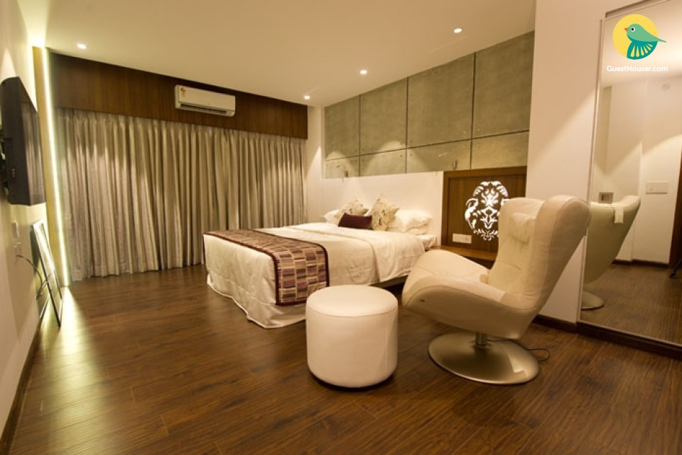 stay in royal suite