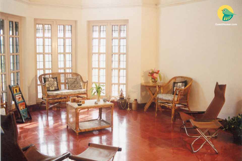 Old-Fashioned Room in Sprawling Kerala-style Bungalow