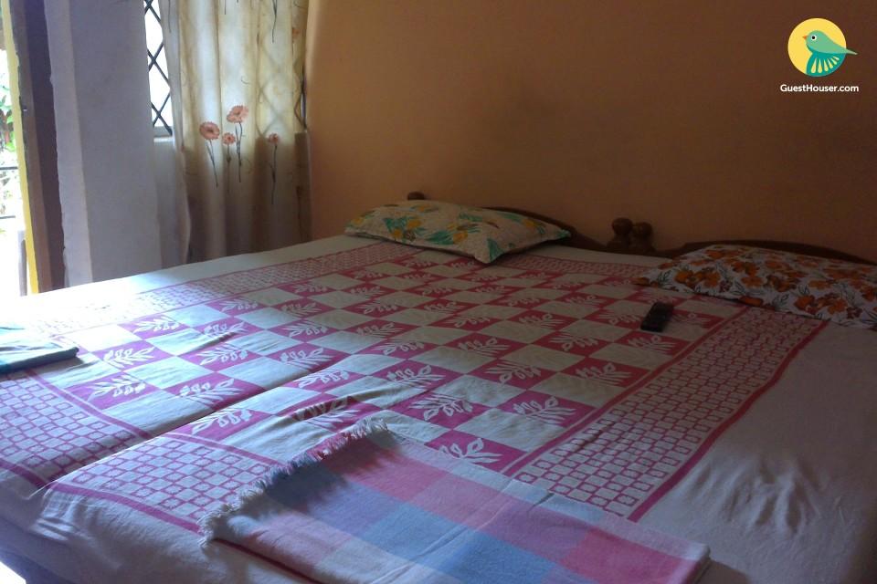 Modest 8-bedroom accommodation near Calangute Beach