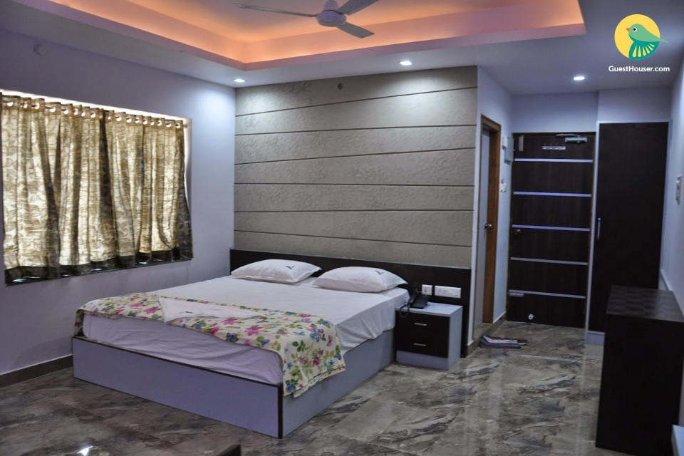 6 bedroom accommodation in Bhimili