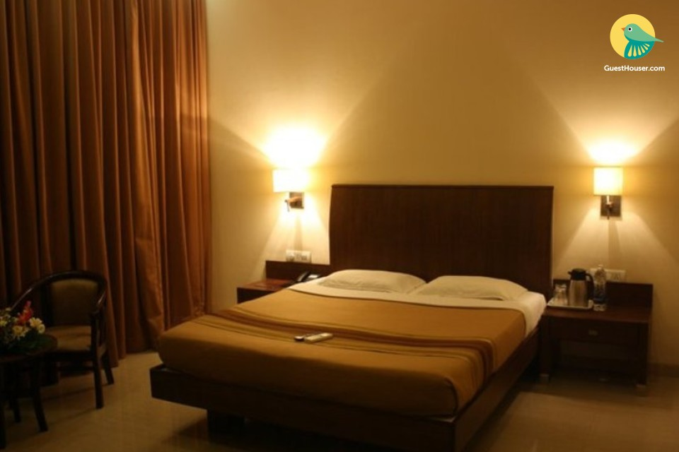Elegantly decked room, ideal for leisure travellers