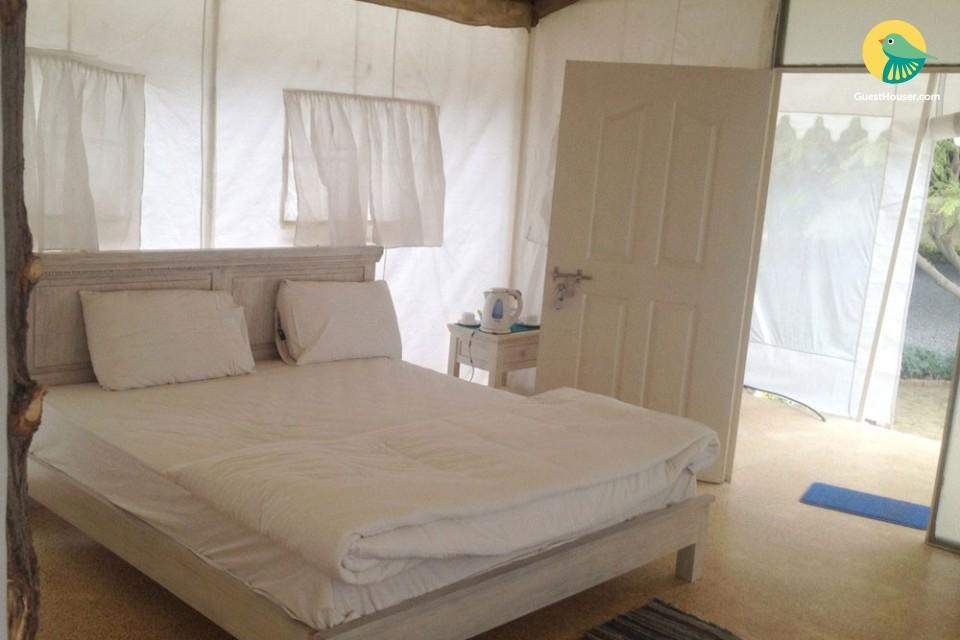 Cozy tents near Guragon