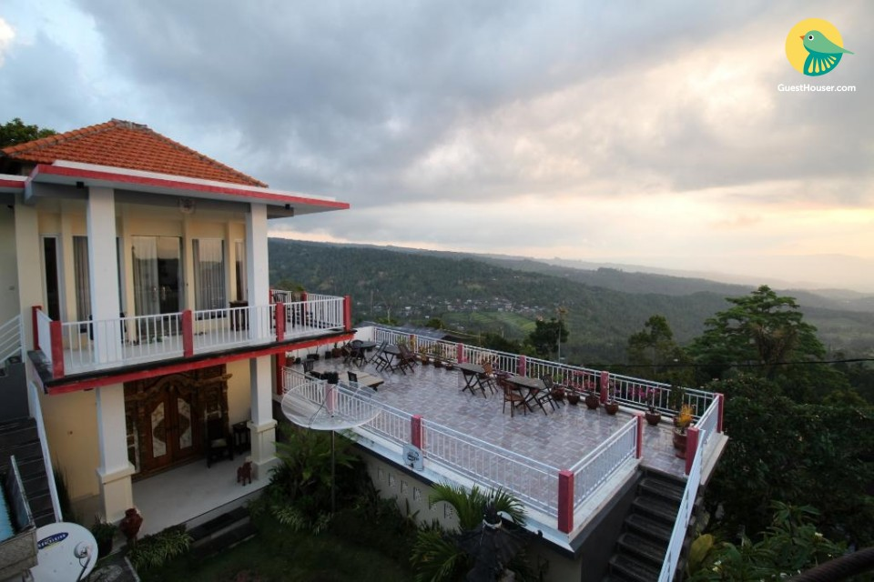 Relaxing 9-BR homestay, ideal for large groups