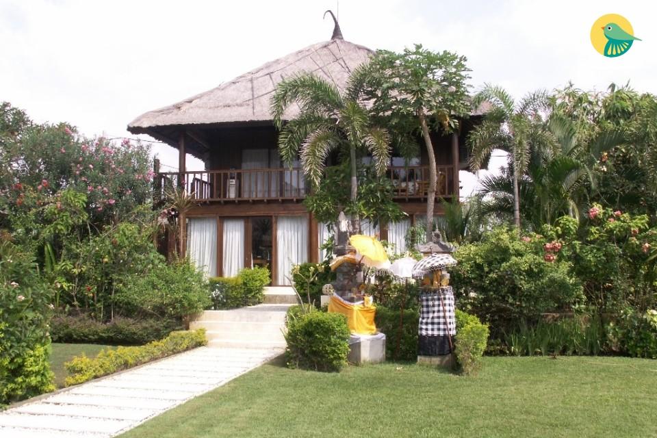 4 bedroom villa beach