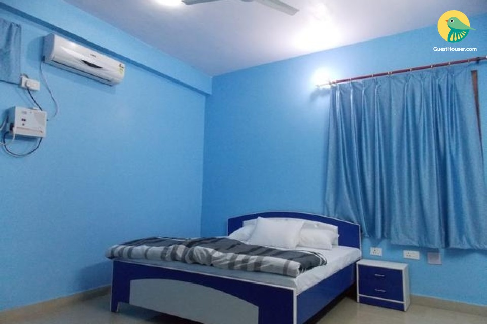 Pleasant guest house room for 3