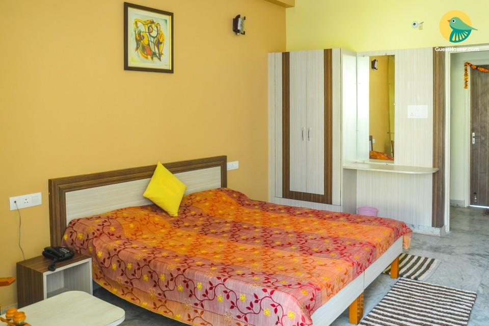 Private room near Lakshman Jhula