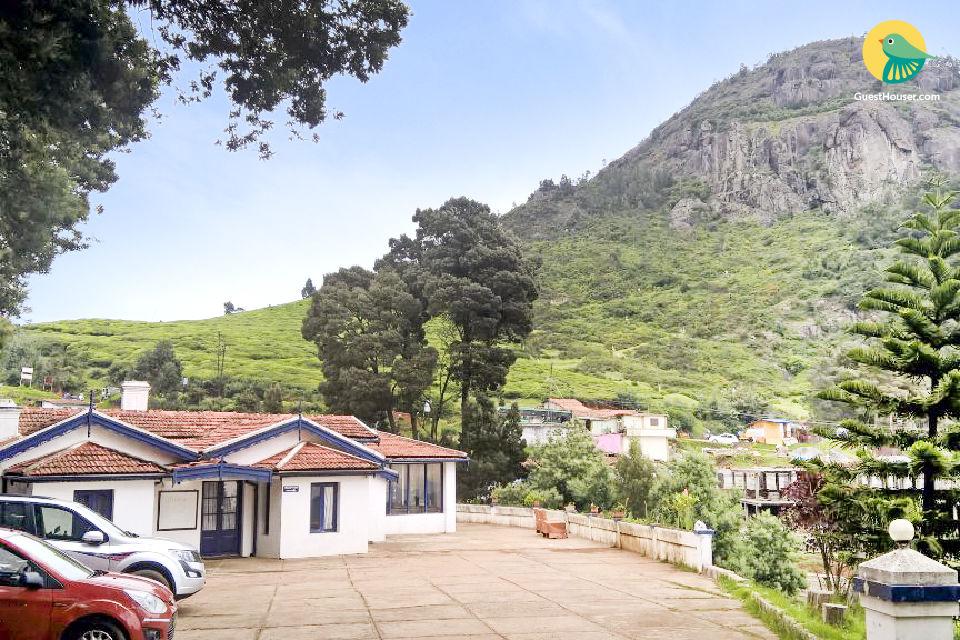 Idyllic stay with modern comforts, near Rose Garden