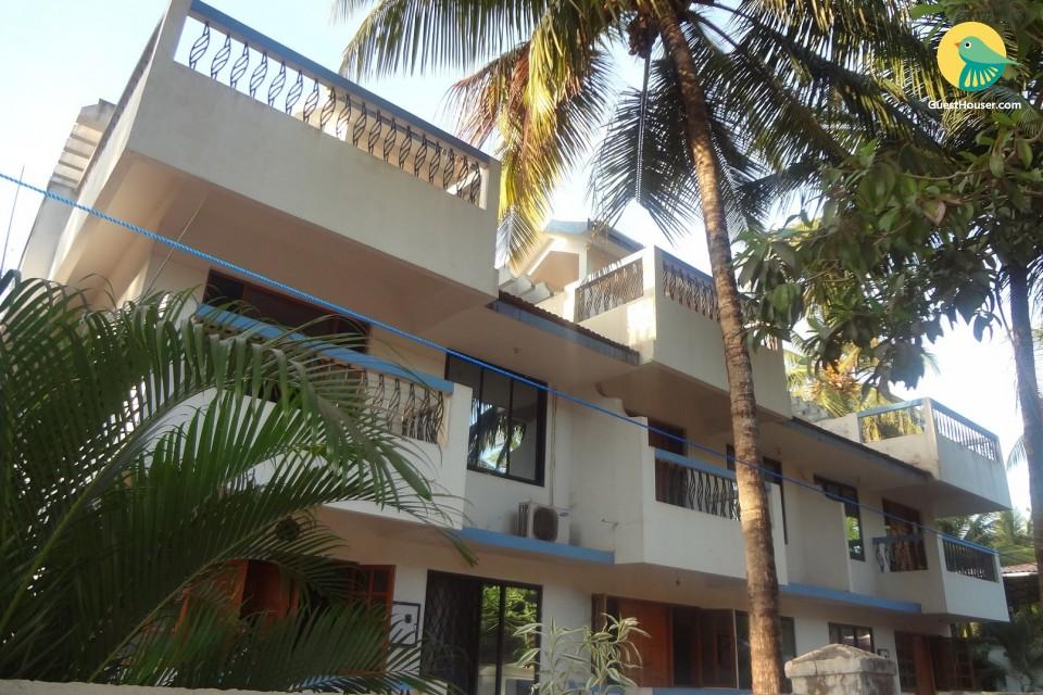 3 BHK villa for 6, close to Varca Beach