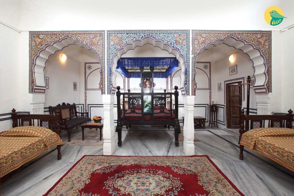 Elegant room with Verandah