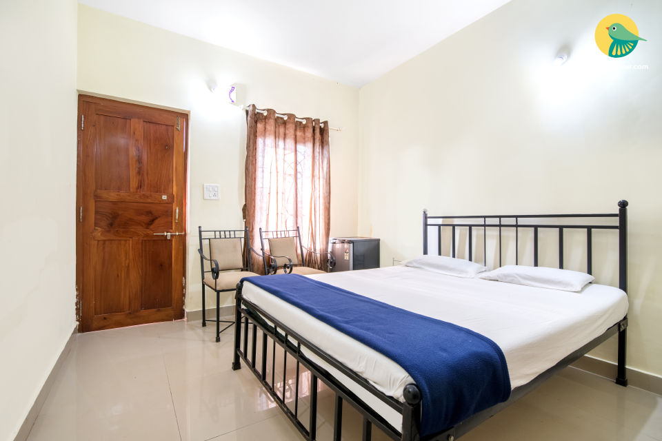 Spacious room for two, near Mandrem Beach