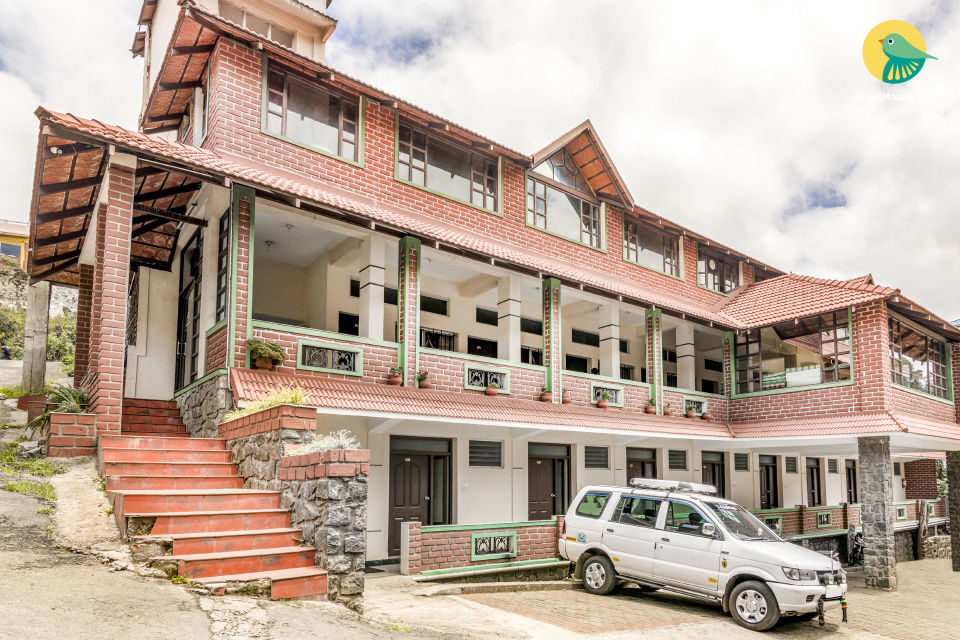 Well-appointed room for three, 1.5 km from Kodaikanal Lake