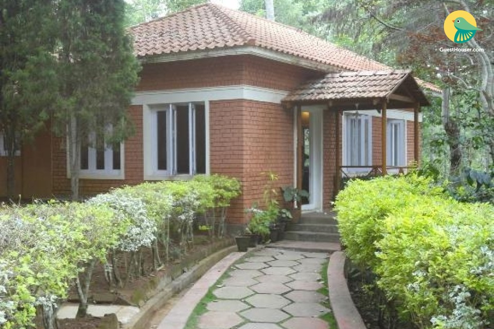 Charming cottage for 3, near Botanical garden