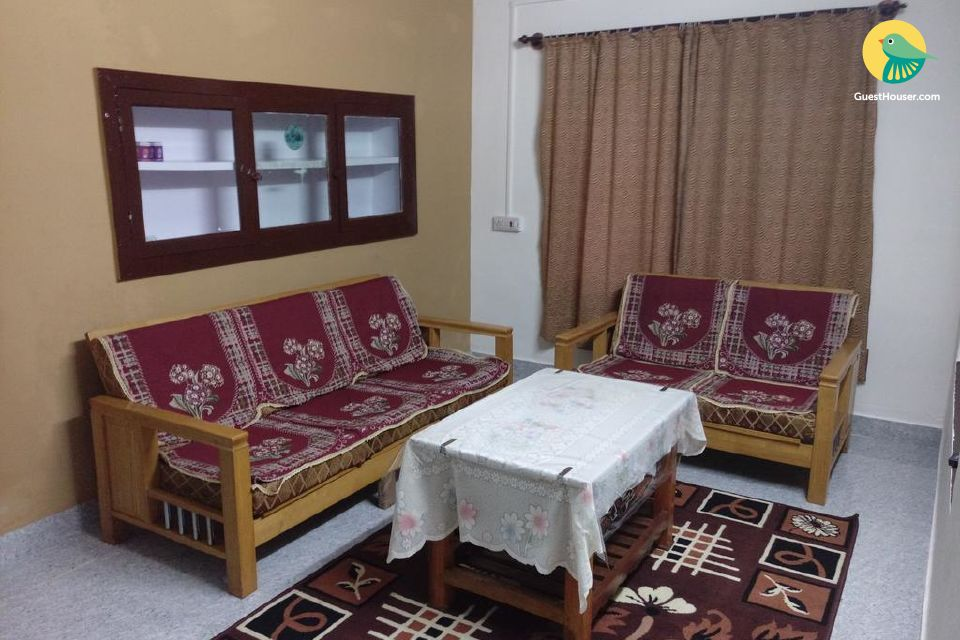 Well-furnished 2-bedroom homestay for 6
