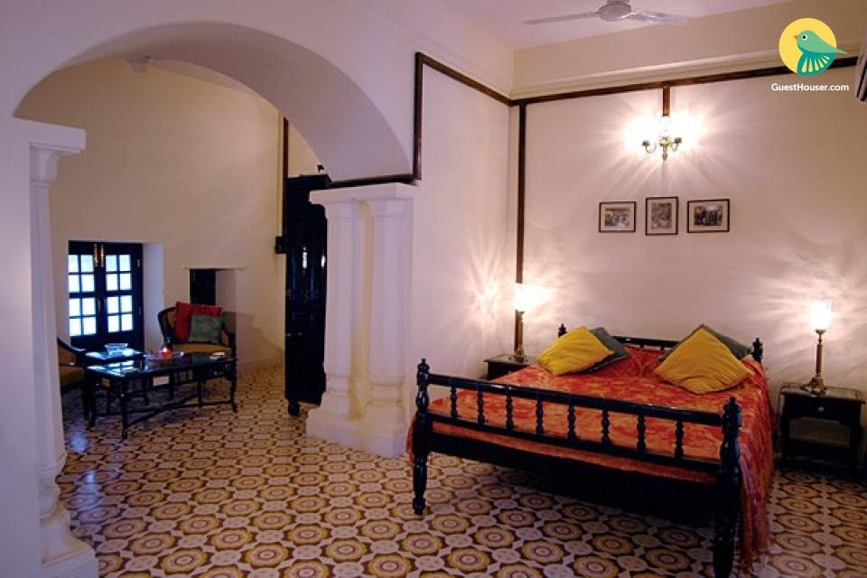 Royal Heritage Stay in Alipura