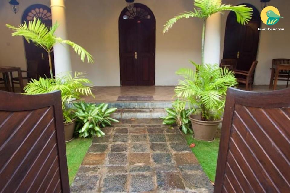 Stay in a 4 Bedroom Heritage Villa