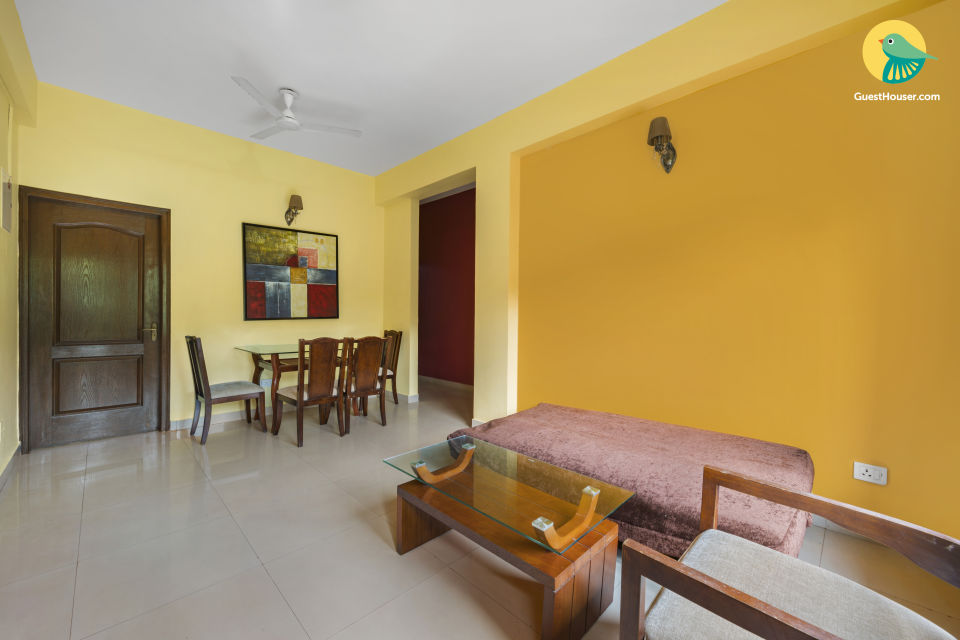 Modish 2 BHK with a pool, 900 m from Chapora Beach