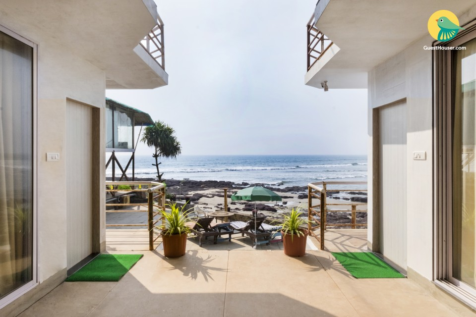 Tranquil stay with a serene sea view, 700 m from Ashwem beach
