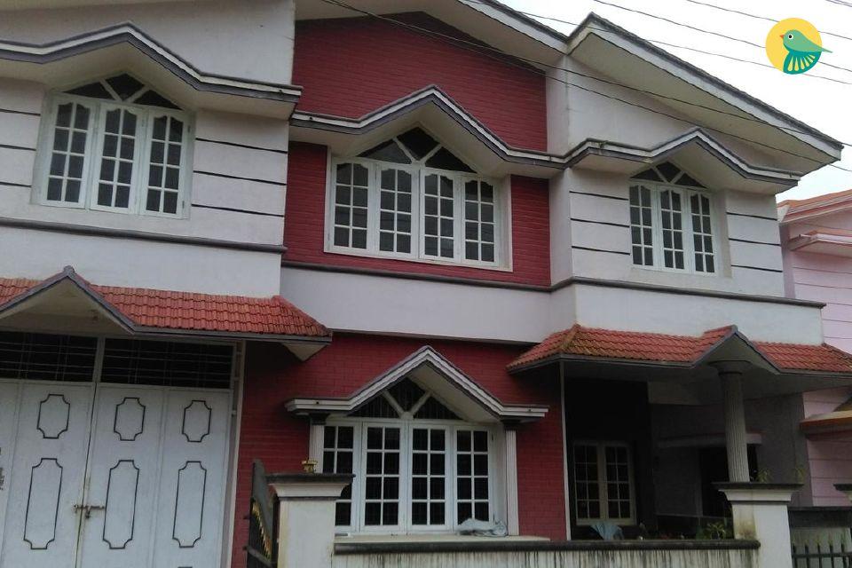 Cosy 2-BR homestay for 6, near Madikeri Fort