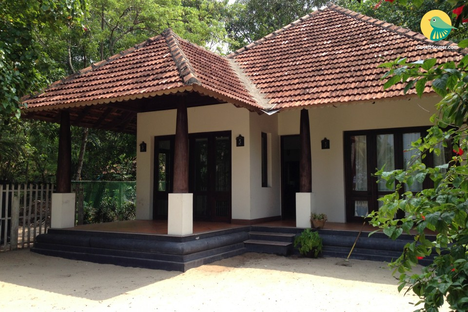 Cheerful 2-BR cottage, 1 km from Marari Beach