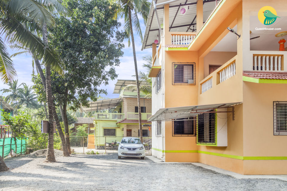 Restful retreat for backpackers, 650 m from Nagaon Beach