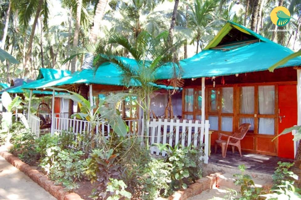 Pet-friendly cottage room on Agonda Beach