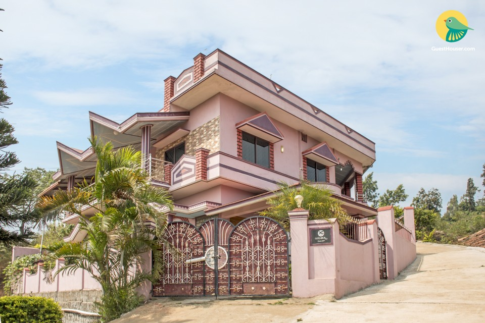 Well-furnished 4-BR  bungalow, 1.5 km from Raja's Seat