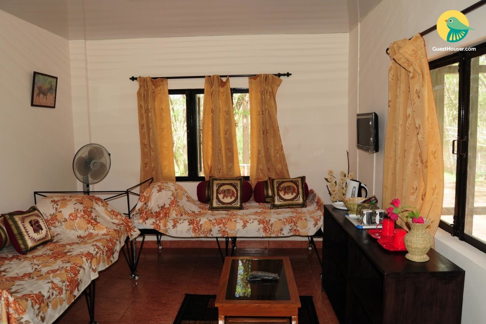 Well-furnished 1-BHK with a shared pool
