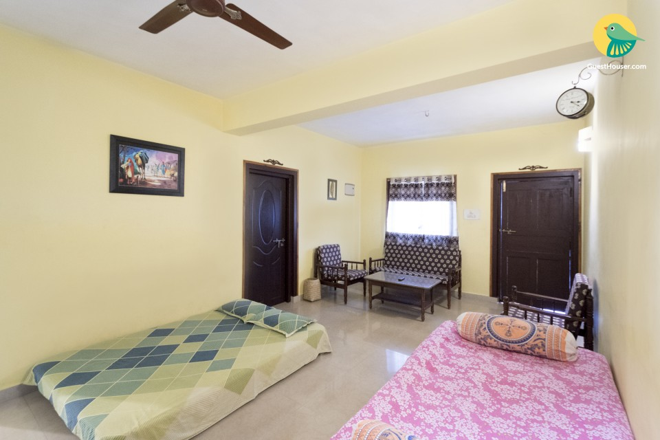 Restful 1 BHK for groups, near Chapora Fort