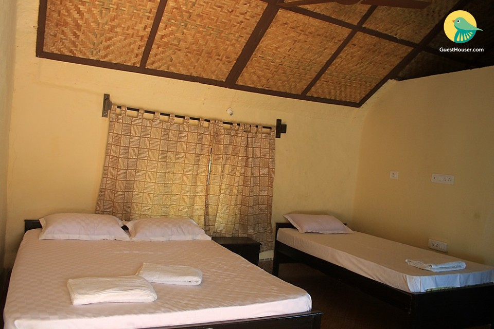 Restful room in a cottage, ideal for backpackers