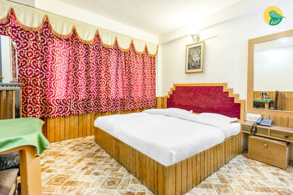 Comfy stay near Mall Road, ideal for hikers