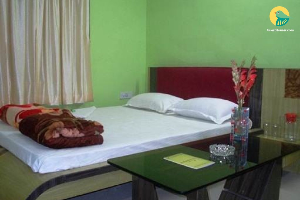 AC Luxurious, economical, peaceful stay