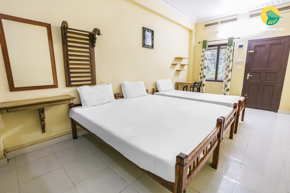Rejuvenating getaway for 4, near Punnamada Lake