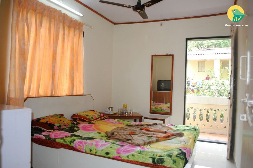2 bhk in a bungalow for your easy stay
