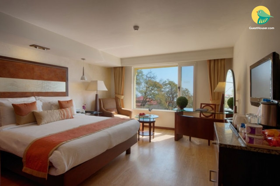 Regal 1-BR stay with a scenic view