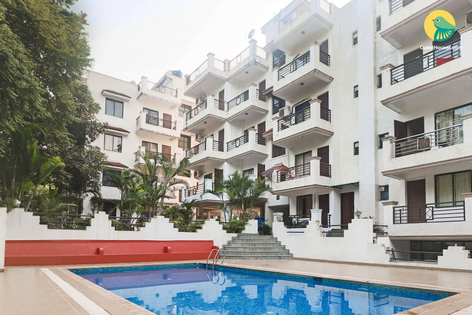 2 BHK with a pool, 900 m from Chapora Beach