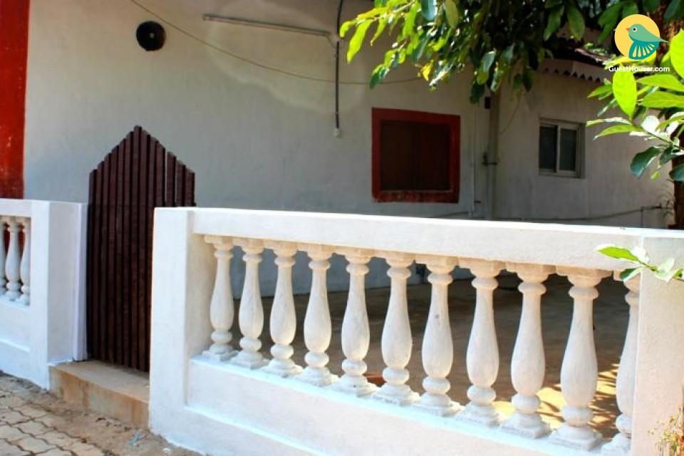 Commodious villa room, near Miramar Beach