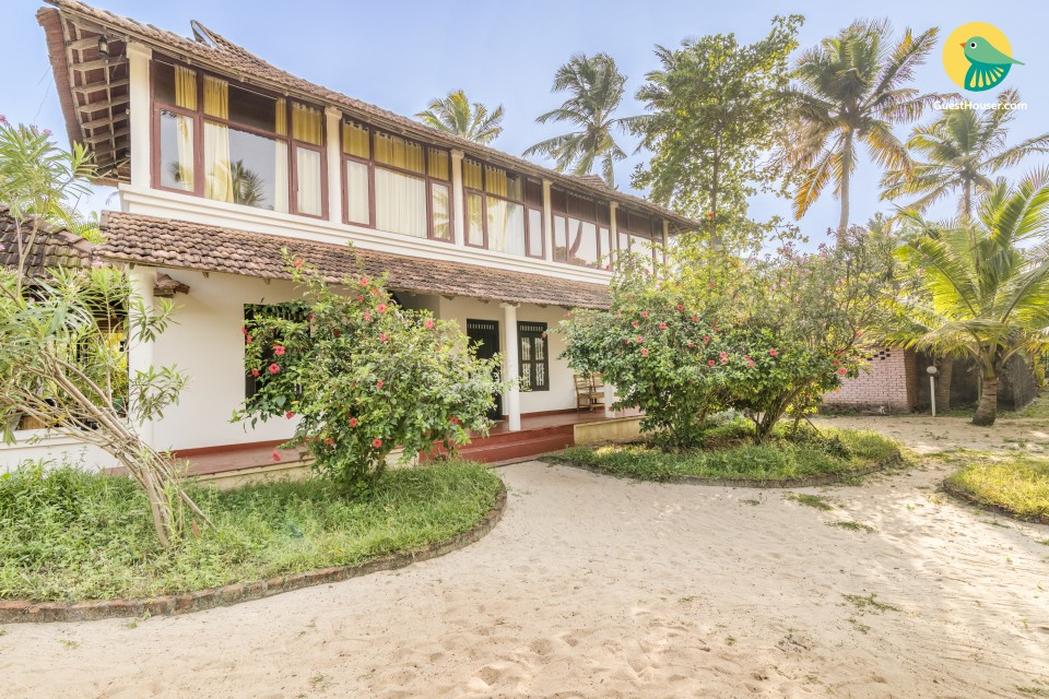 Peaceful abode for vacationers, 1.8 km from Chettikad Beach