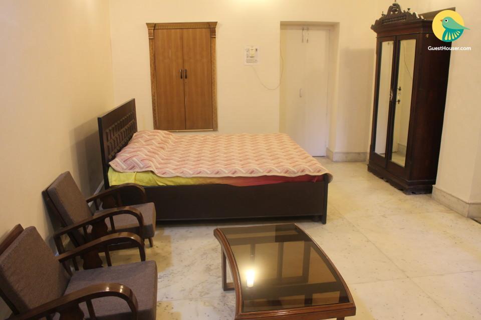 Guesthouse near Jallianwala Bagh