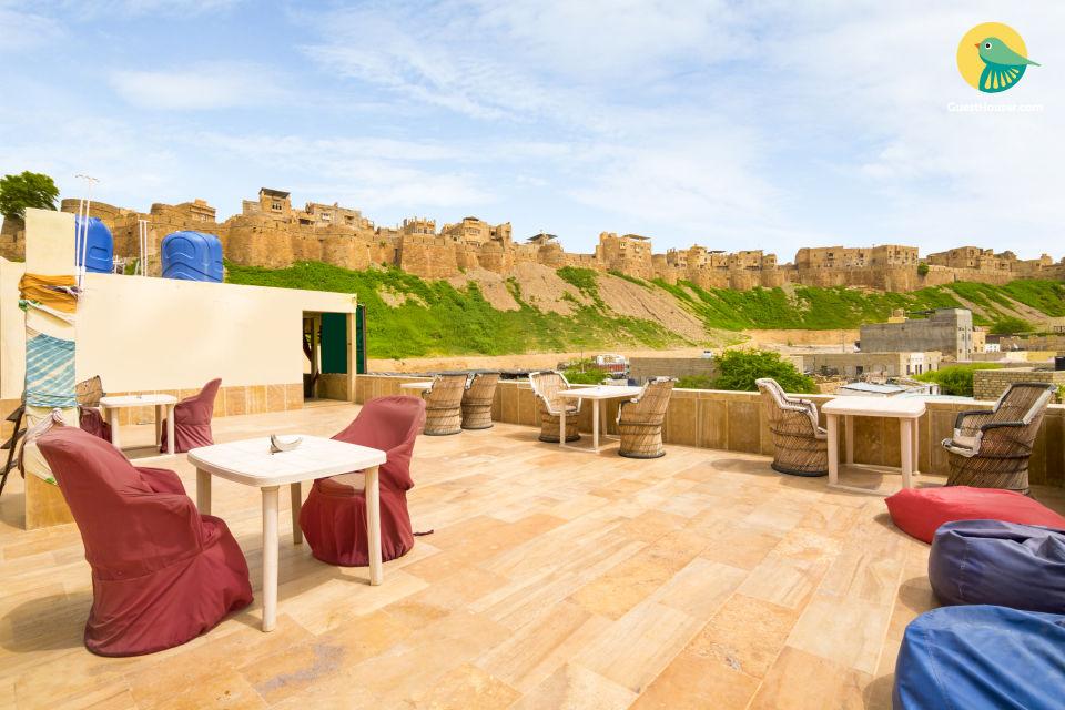 Room for four near Jaisalmer Fort