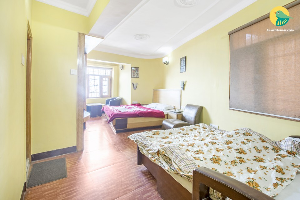 Comfortable stay for five at the Mall Road