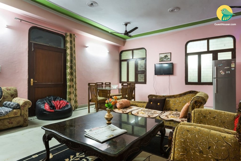 Two Bedroom Cosy Homestay in New Delhi