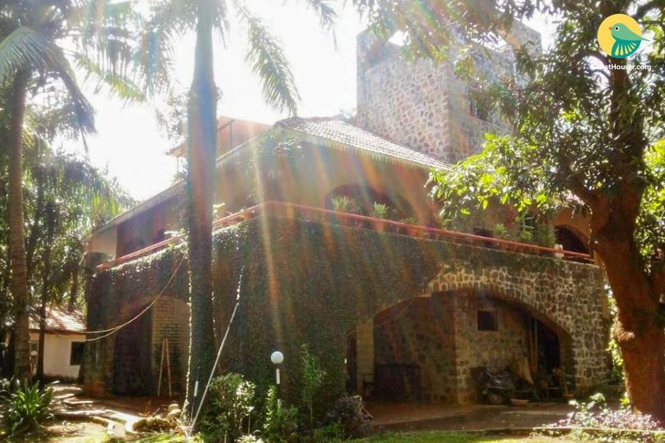 5-BR villa with a private pool