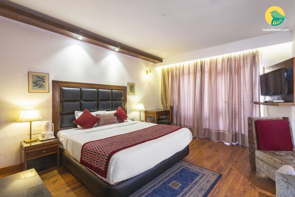 Private boutique stay room, 2.7 km from Hadimba Devi Temple