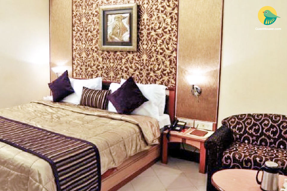 Pleasant 1 bedroom guest house in Andheri East