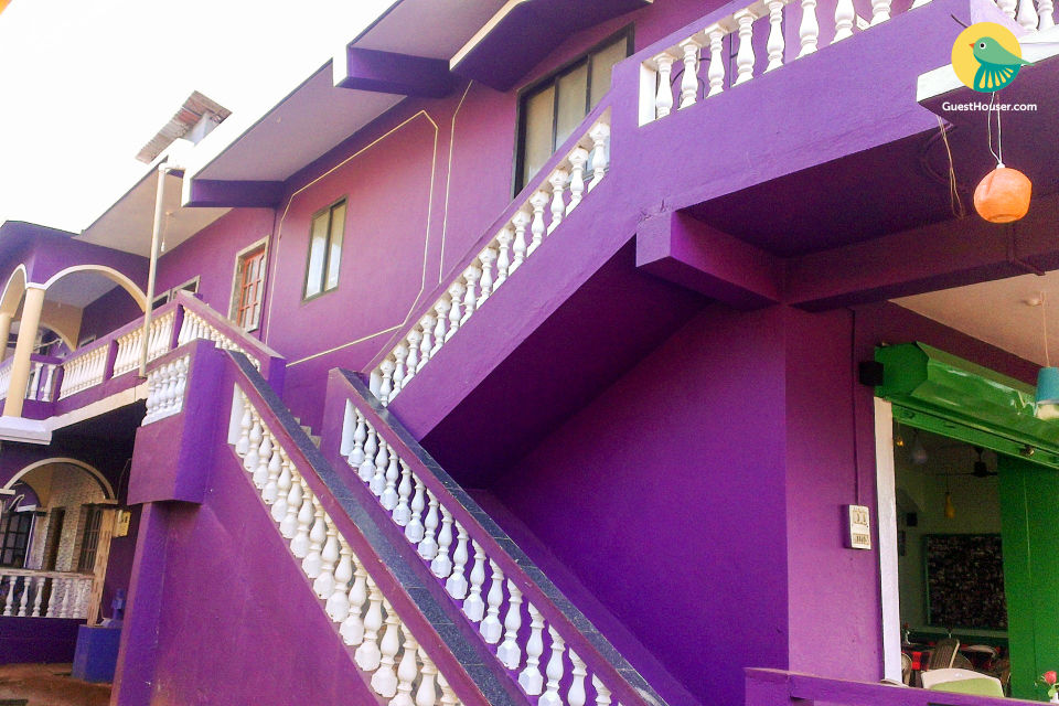 Homely 4-BR stay for a group getaway, 2 km from Calangute beach